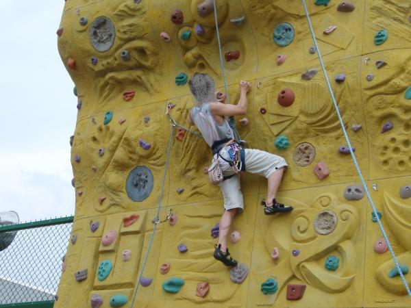 員林高中攀岩場照片